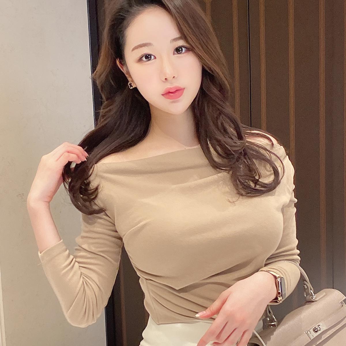 鎖骨キレイ魅せTシャツ カラー:ブラック、ベージュ、ホワイト