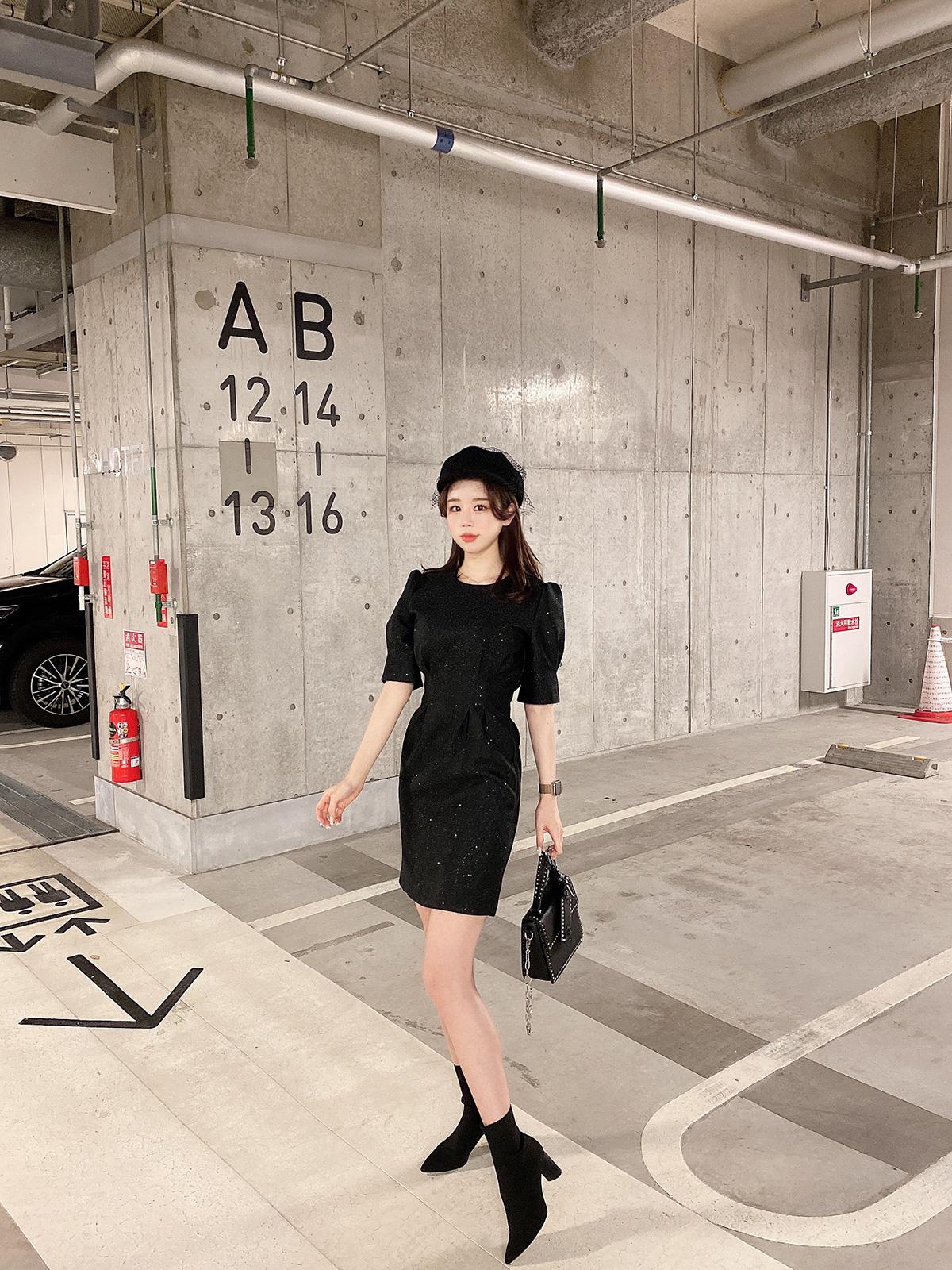 キラキラスリムドレス カラー:ブラック、シャンパンゴールド