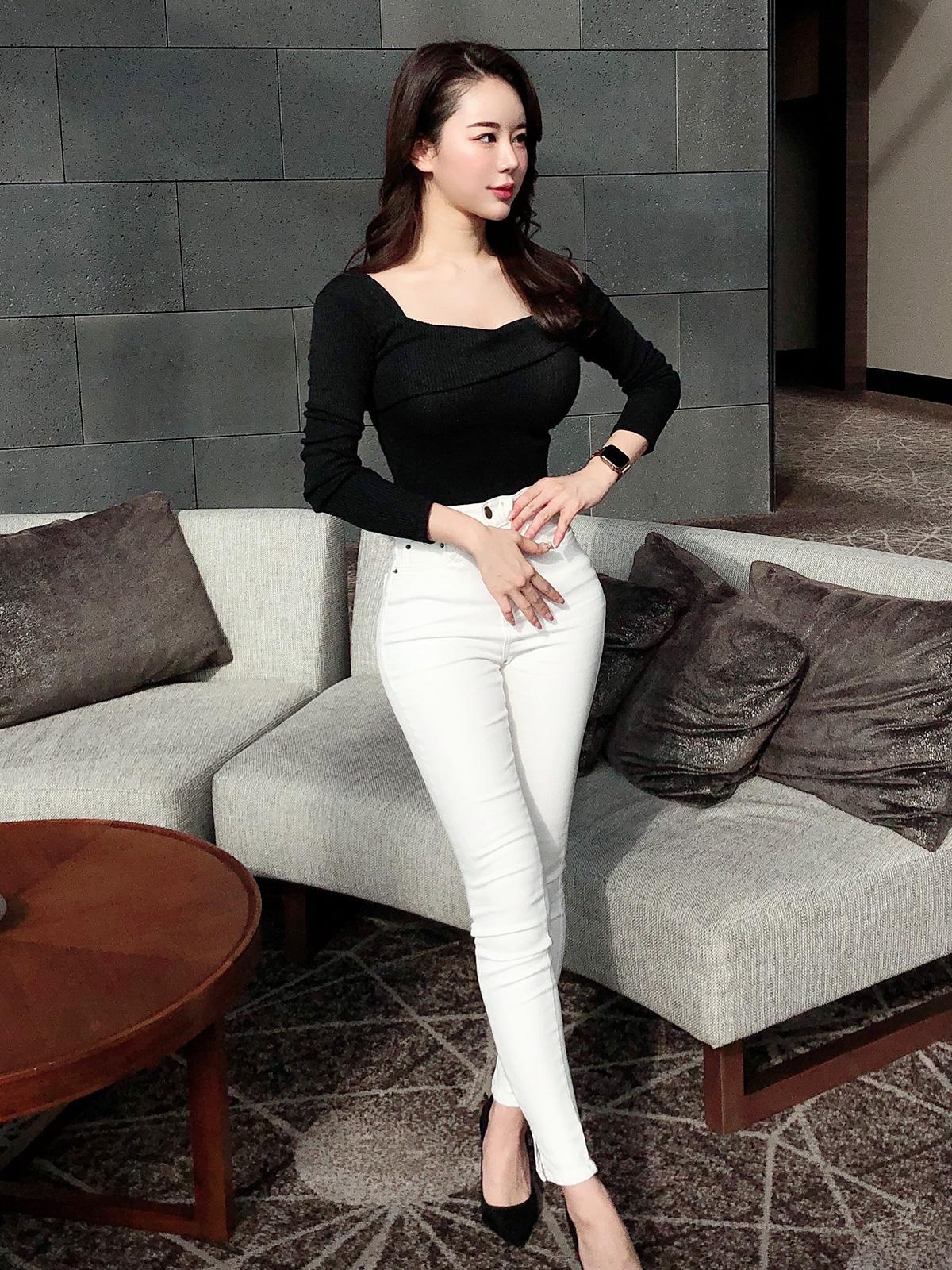 美脚ストレッチスキニー カラー:ブラック、ホワイト
