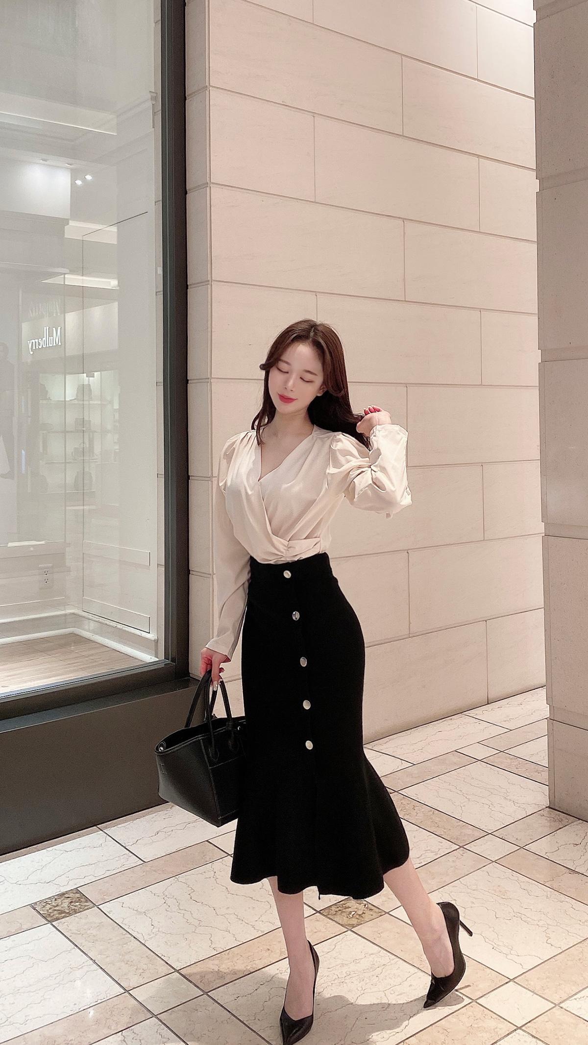 ボタンニットスカート カラー:ブラック、ベージュ、ブラウン